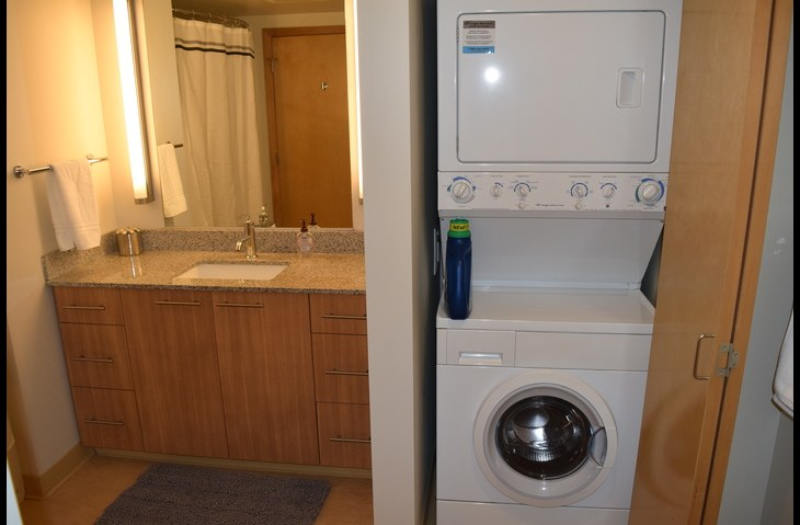 Frontload Washer and Dryer in Unit